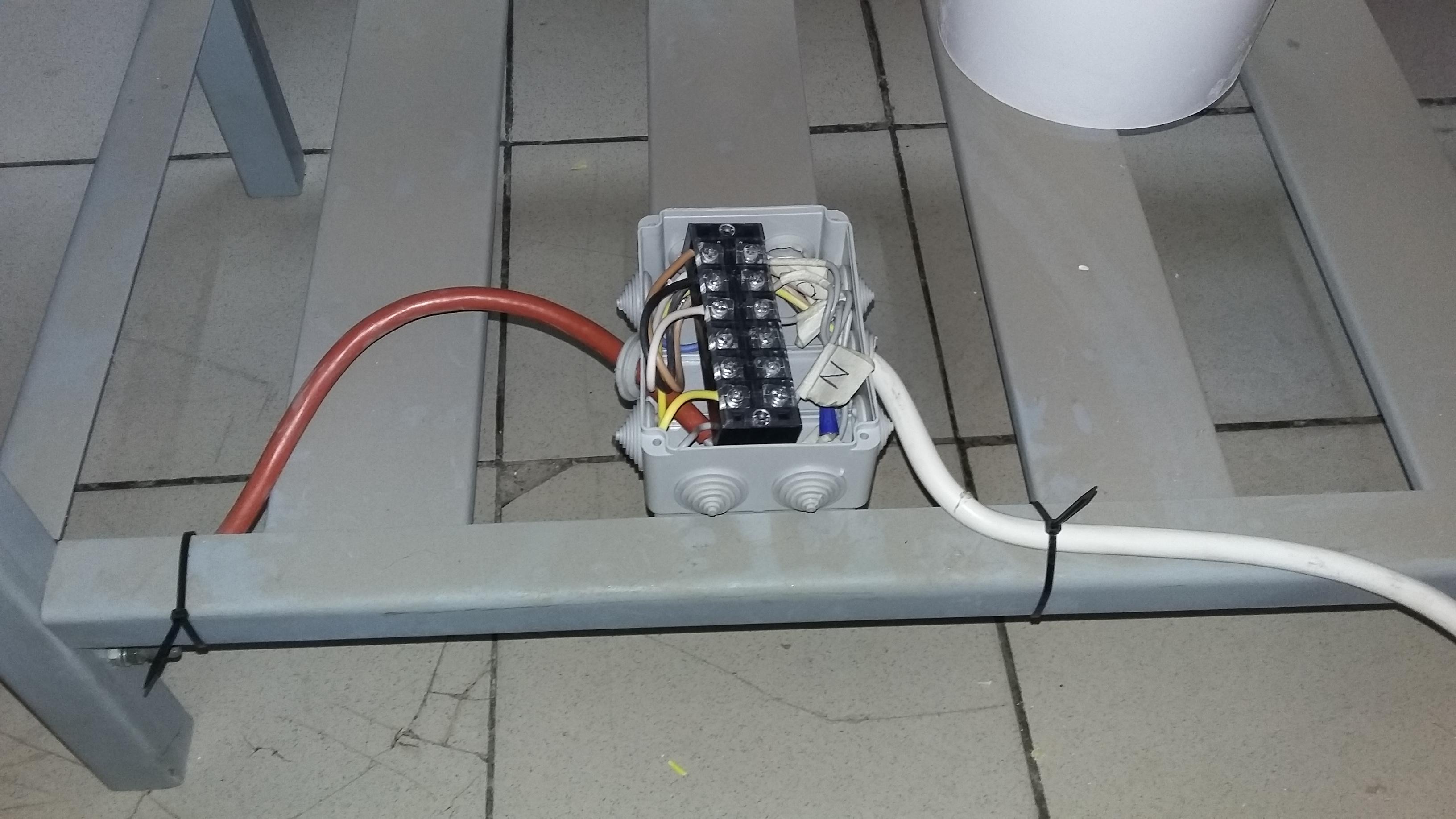 Фото Подключение жарочной панели (промышленной).