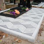 Укладки тротуарной плитки на кладбище