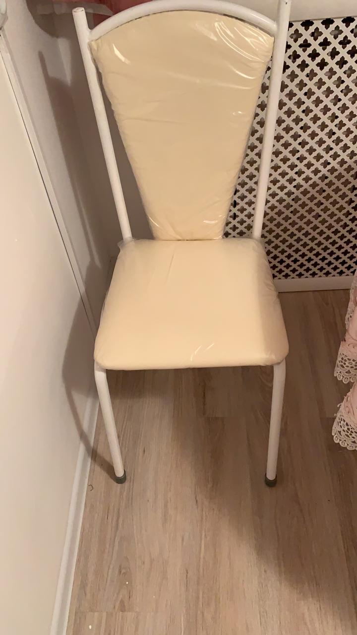 Фото Перетяжка сидушек и спинок от стульев, работа выполнялась в течении суток